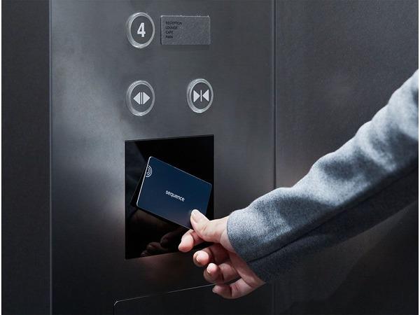シークエンスのエレベーター