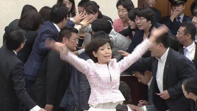堀内詔子の「過労死ダンス姫」